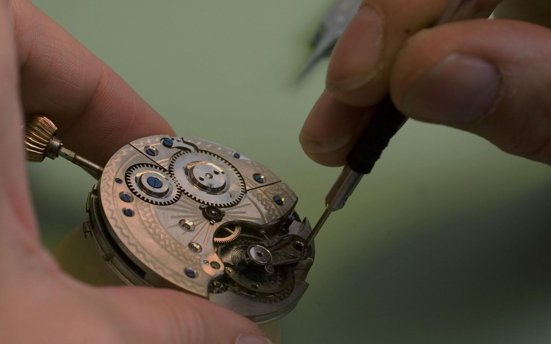 Uhren, Schmuck und Uhrenreparaturen bei Juwelier Pfeffel